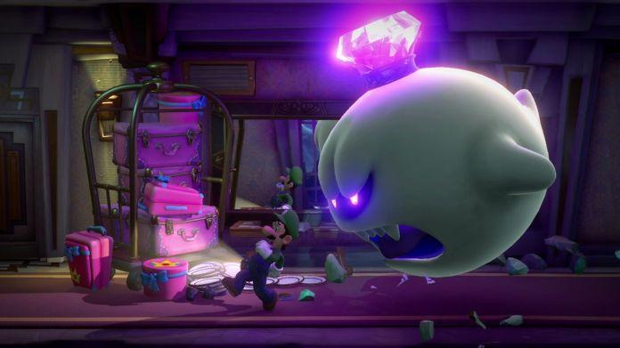 King Boo chases Luigi in Luigi's Mansion 3