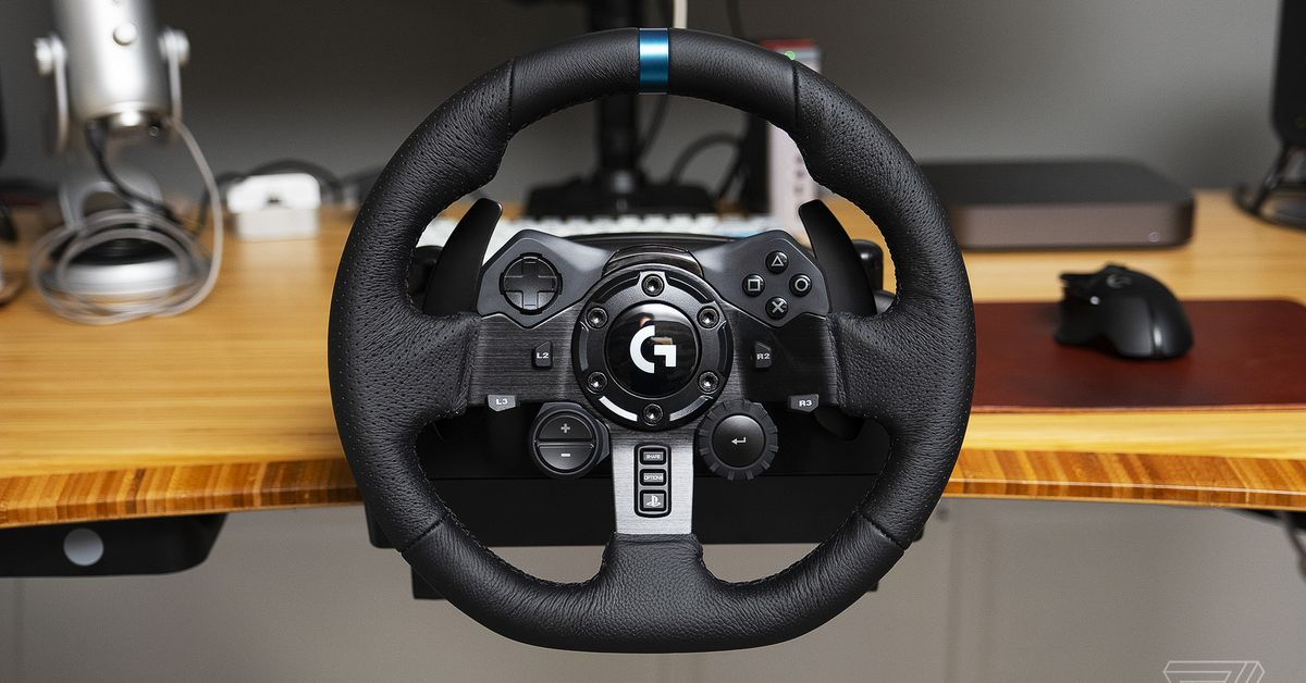 Logitech's new G923 racing wheel comes with an advanced force feedback system