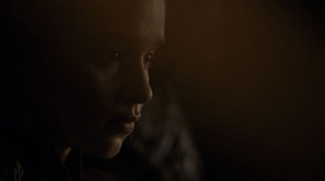 Game of Thrones S08E05 Dany throne room