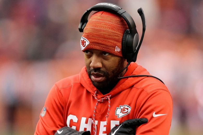 NFL fines Chiefs coach Greg Lewis for incident with Browns player, per report