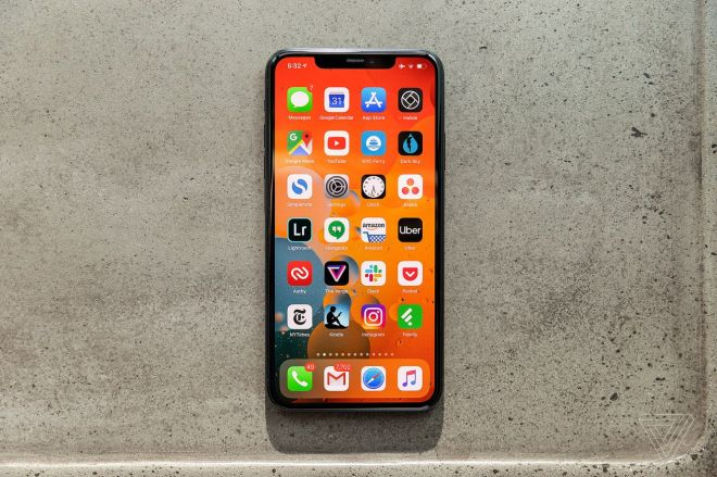 akrales_190914_3666_0048.0 Apple might use its own 5G antenna in its 2020 iPhones | The Verge