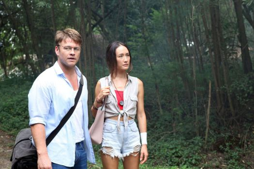 luke hemsworth and maggie q in death of me