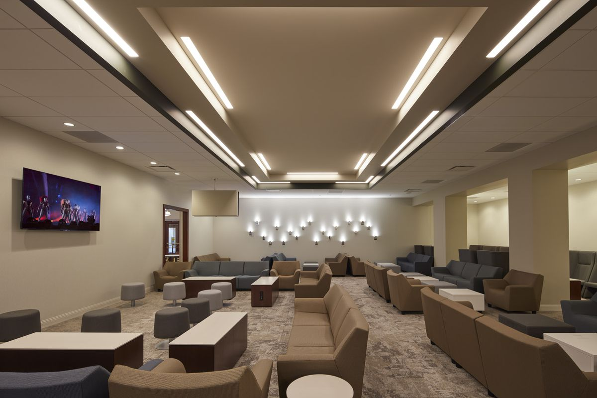 A Look At Amtrak S New Metropolitan Lounge At Union Station Curbed Chicago