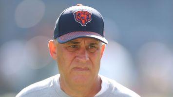 Broncos hire Vic Fangio as head coach
