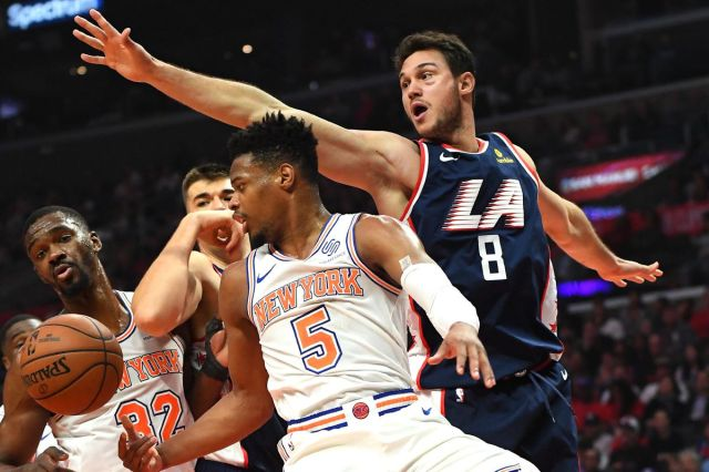 Clippers 128, Knicks 107: Scenes from a matinee massacre - Posting and  Toasting