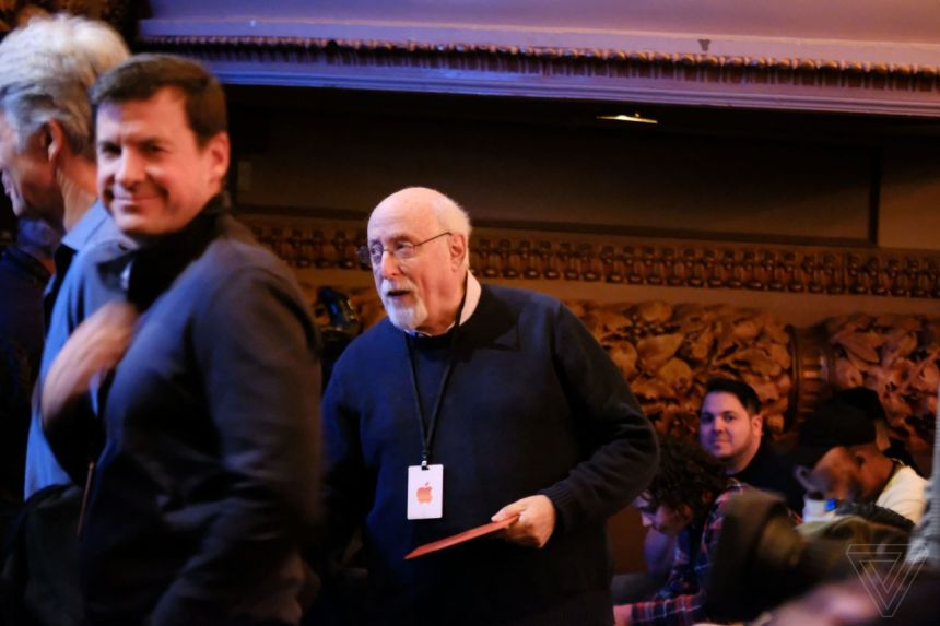 Walt Mossberg at Apple's iPad Pro and Macbook Air event