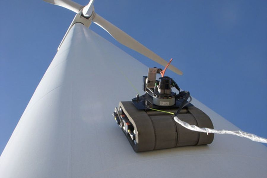 GE uses climbing robots to inspect wind turbine blades   The Verge GE wind turbine robot