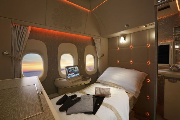 Emirates' new first class suites feature virtual windows ...