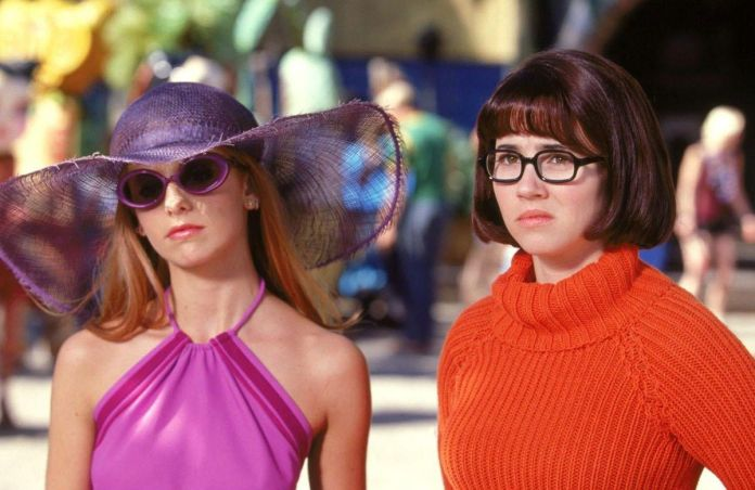 daphne and velma on vacation