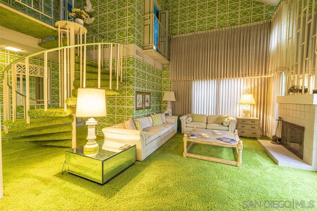 1970s Time Capsule Home Comes With All Green Interior Curbed