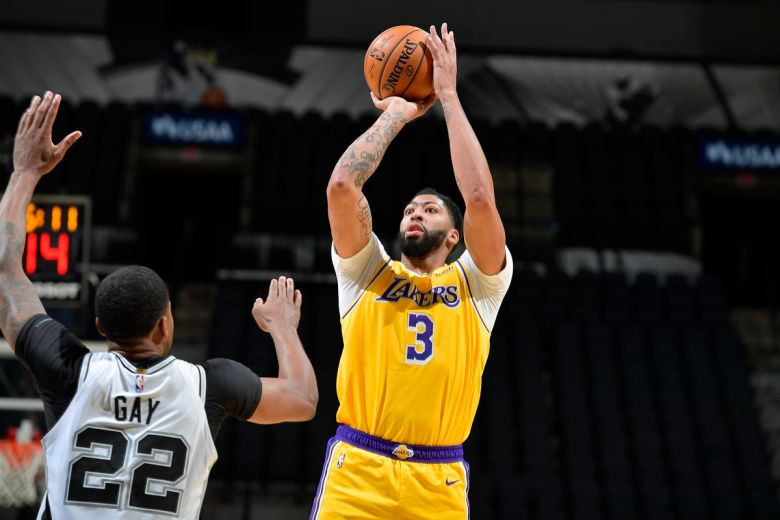 Frank Vogel thinks Anthony Davis can be better for Lakers this season -  Silver Screen and Roll