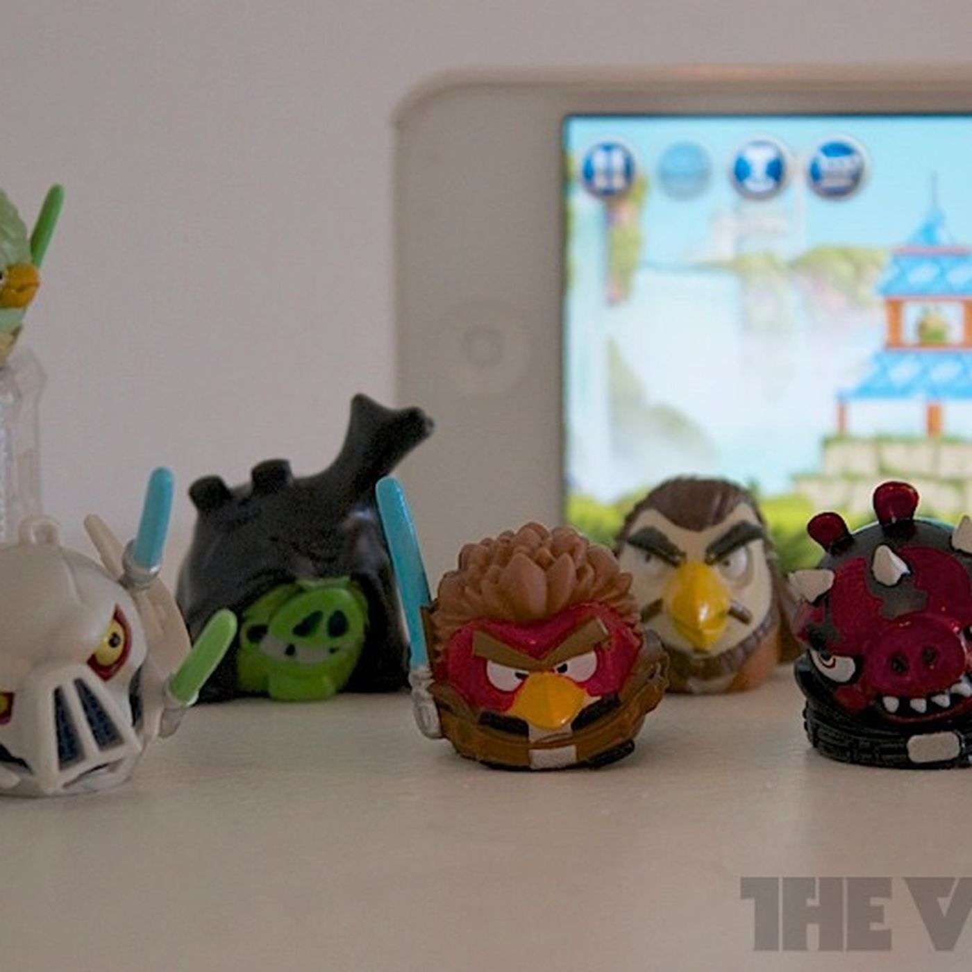 Angry Birds Star Wars Ii Adds Physical Toys But You Won T Have To Buy Them The Verge