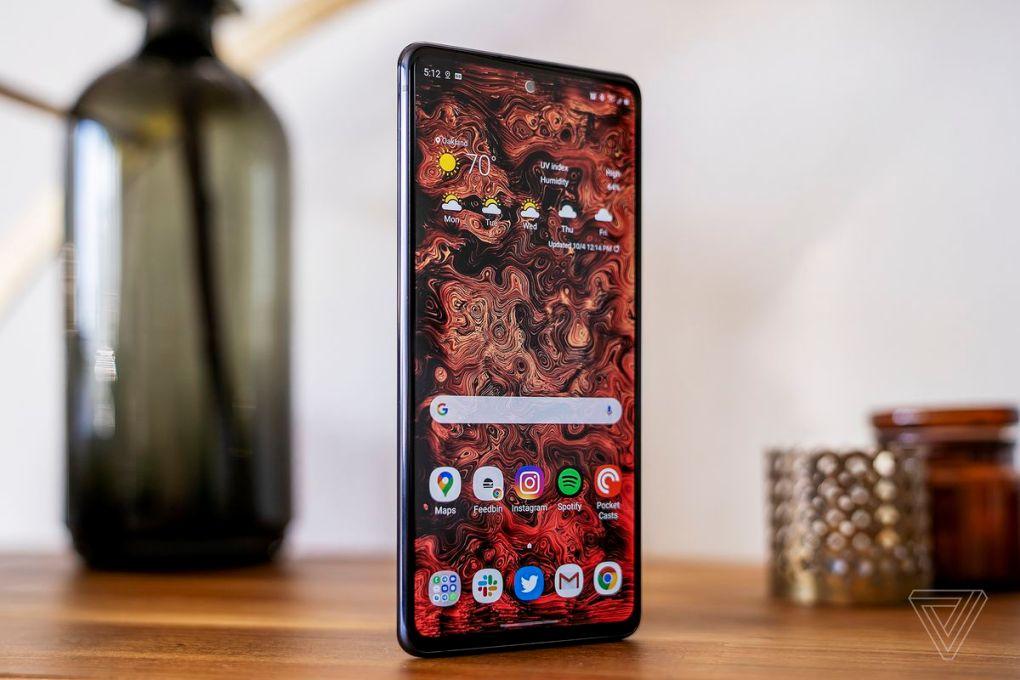 Samsung Galaxy S20 FE vẫn là một chiếc điện thoại tuyệt vời vào năm 2021