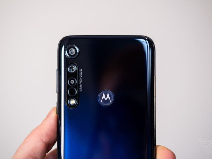 Motorola vows to release lightning-fast flagship phones in 2020 - The Verge