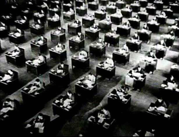 L'ufficio aperto intorno al 1928, nel classico film muto di King Vidor The Crowd.