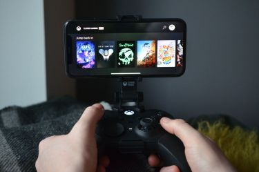 A first look at Microsoft's Xbox Cloud Gaming on iOS and the web