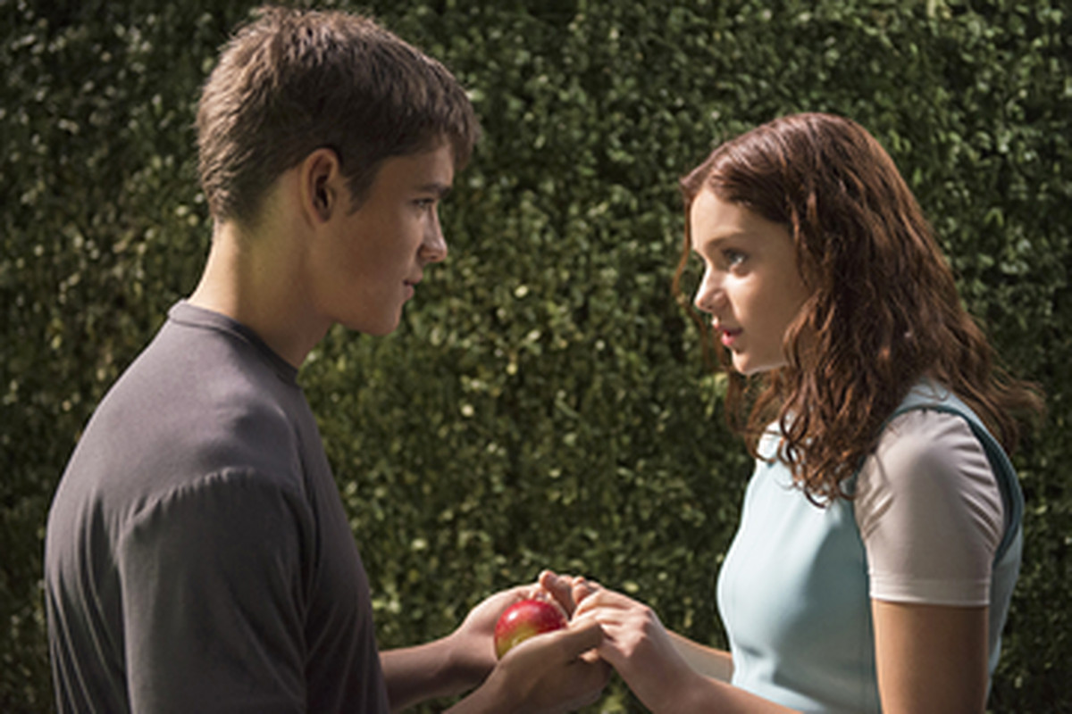 7 Ways The Giver Movie Is Different Than The Book