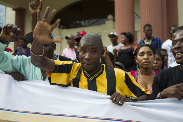 Haitian sugar workers protest DR