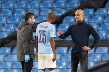 Pep Guardiola Praises Fernandinho's Leadership And More - Bitter And Blue