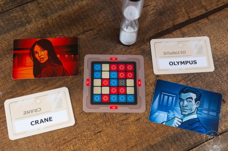 A blue secret agent named Olympus, and a red one named Crane. In the middle, a key card and a timer.