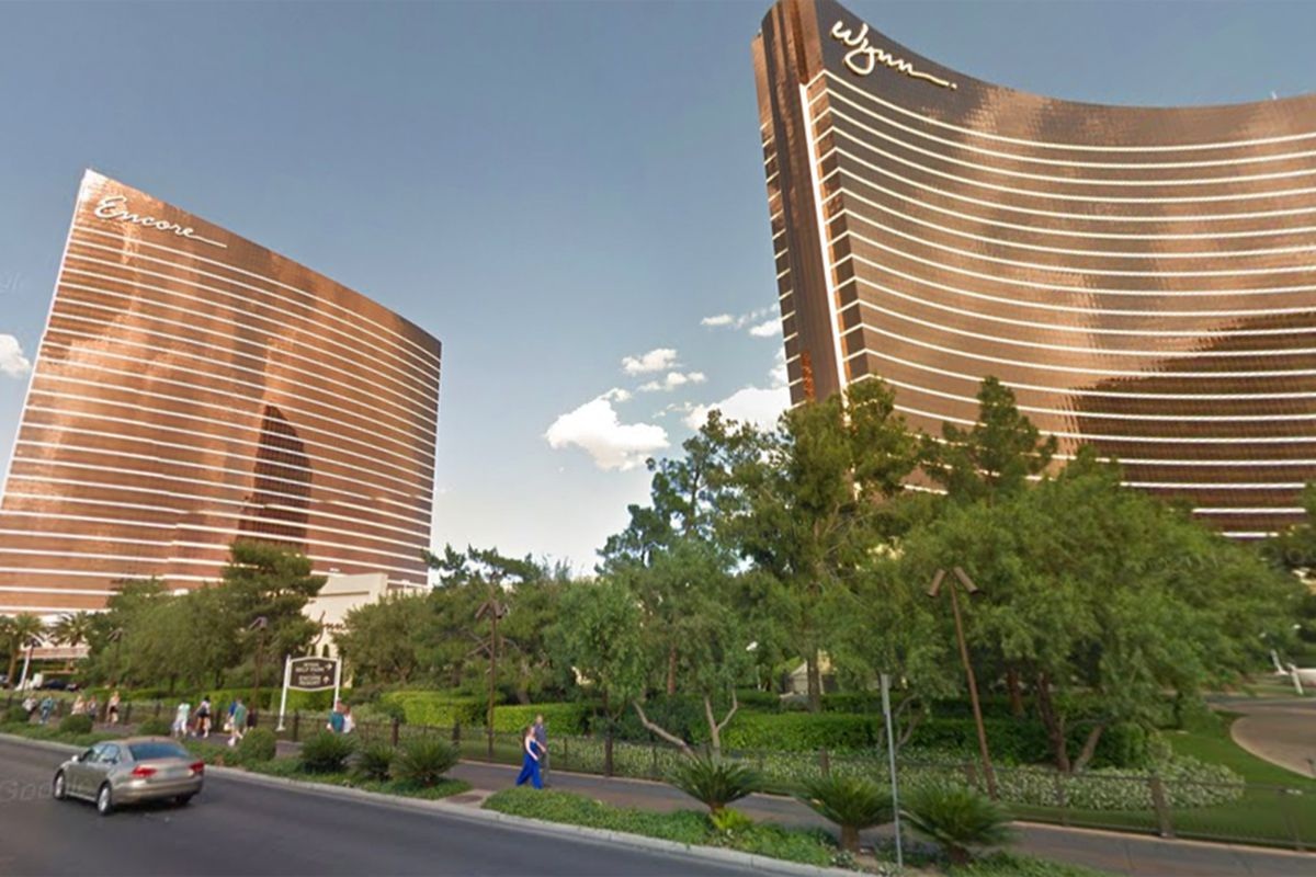 wynn plans more hotel rooms across las vegas boulevard
