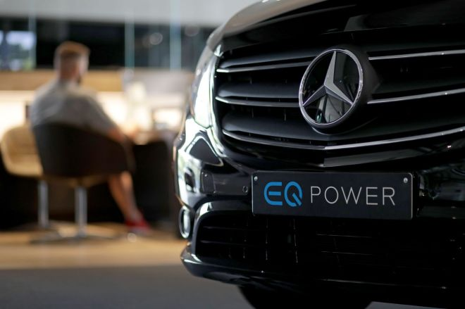 1234068952.0 Mercedes-Benz says it will go all-electric in 2030, but with a major caveat   The Verge