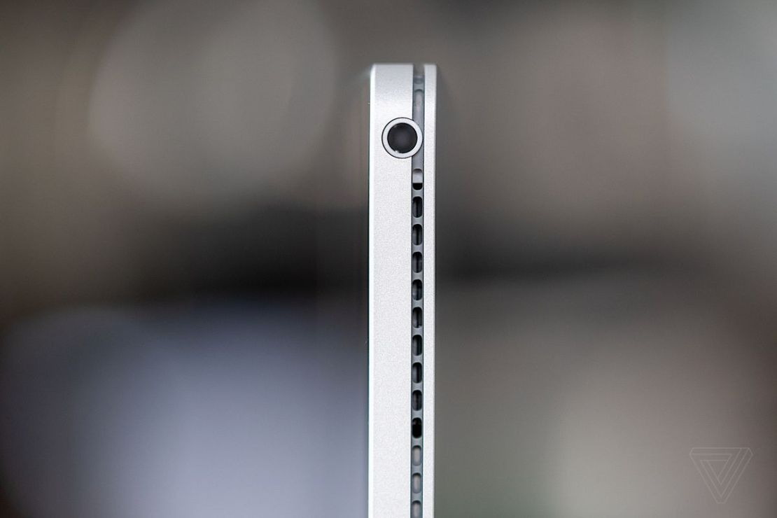 Surface Book 3 headphone jack