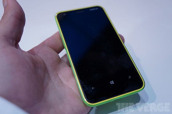 Nokia Lumia 620 unveiled, 'most affordable' WP8 device at ...