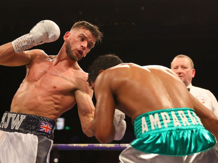 Martin Joseph Ward sees off the very modest boxing ability of Mexico's Jesus Amparan. | Matchroom: Haney vs Linares | Pintsized Interests