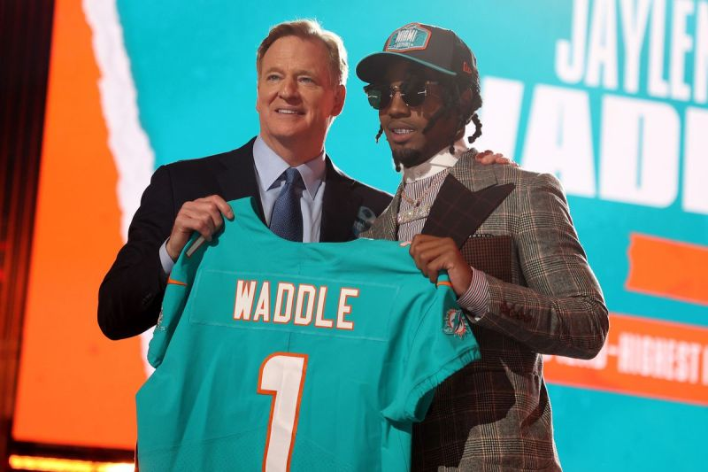 Jaylen Waddle might be the most electrifying player the Miami Dolphins ever had | Film Breakdown - The Phinsider