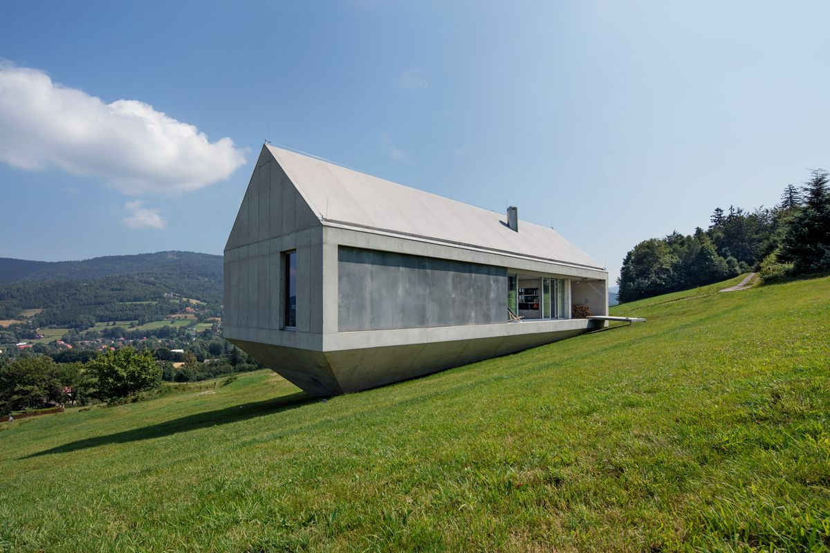 Concrete 'Ark House' Offers Beautiful Views And Privacy