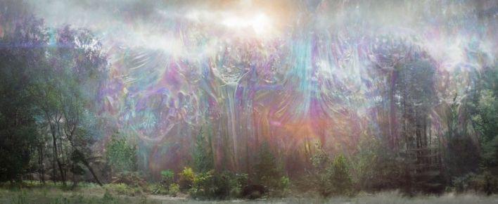 le miroitement arc-en-ciel prismatique s'égoutte dans l'herbe en annihilation