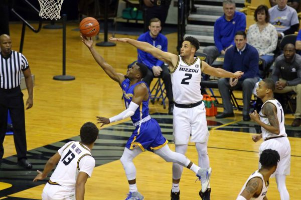 Missouri basketball: K.J. Santos set to transfer - Rock M ...
