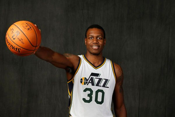 Hornets add Treveon Graham to roster - At The Hive