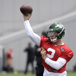 New York Jets first-round pick Zach Wilson practices at NFL rookie camp Friday, May 7, 2021, in Florham Park, NJ