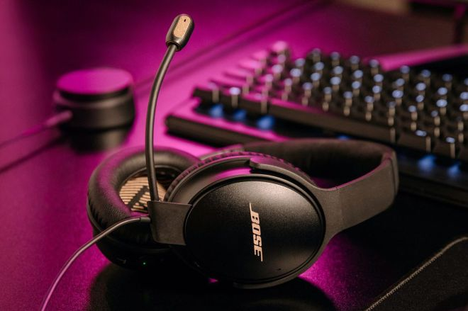 boseqc35iigame.0 Bose turned its Quiet Comfort 35 II noise-canceling headphones into a gaming headset | The Verge