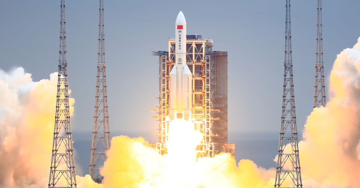 An out-of-control Chinese rocket has re-entered Earth's atmosphere