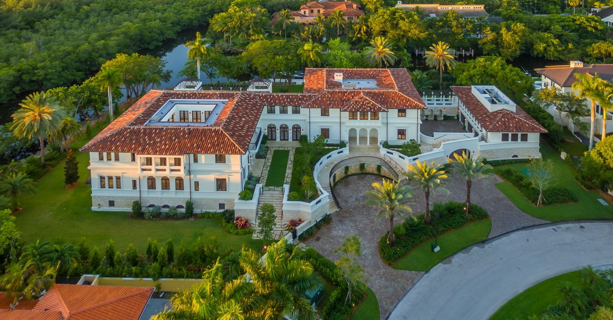 Miami S 10 Biggest Homes For Sale Mapped Curbed Miami