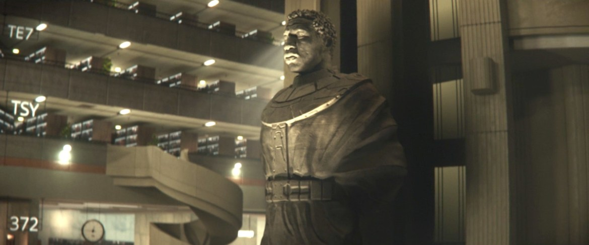 A statue of Jonathan Majors as the supreme ruler of the Time Variance Authority (presumably Kang the Conqueror) in Loki.