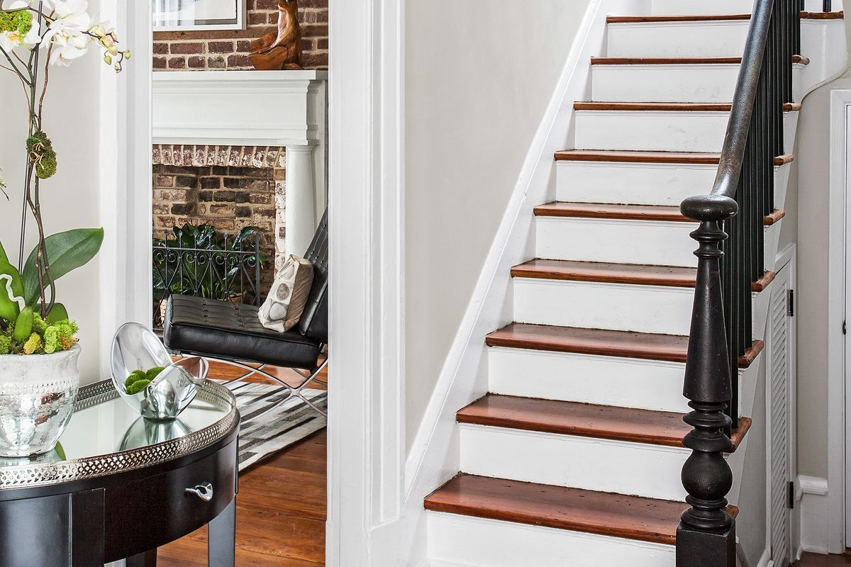 How To Remove Carpet From Stairs This Old House | Stapling Carpet To Stairs | Electric Stapler | Flooring | Stair Tread | Landing | Stair Runner