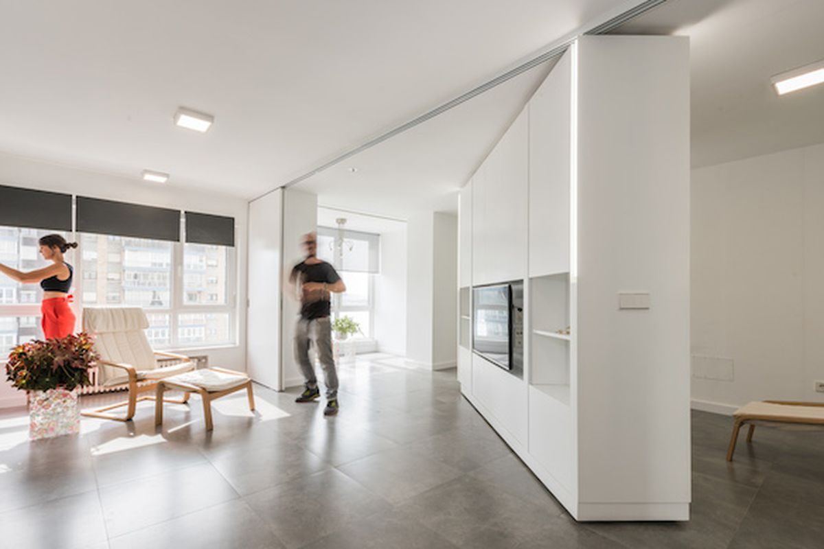 Movable Walls Transform Giant Studio Into Two Bedroom Pad