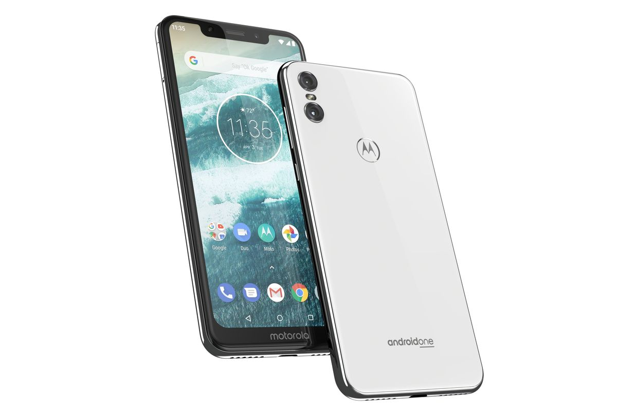 Motorolas Notched Android One Smartphone Is Coming To The US For 399 The Verge