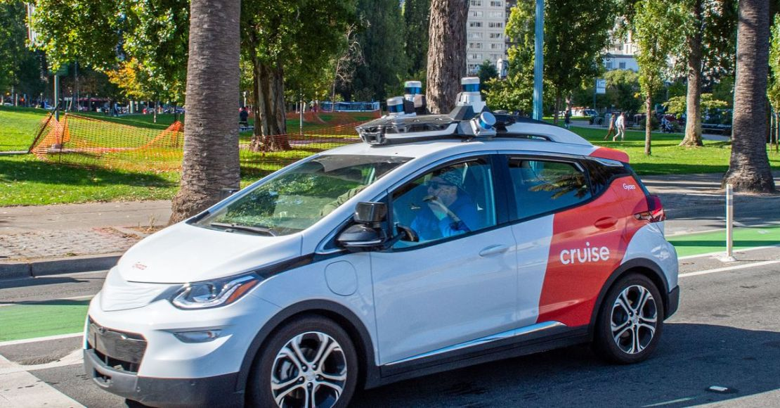 We're blowing it with self-driving car safety reporting, Cruise says