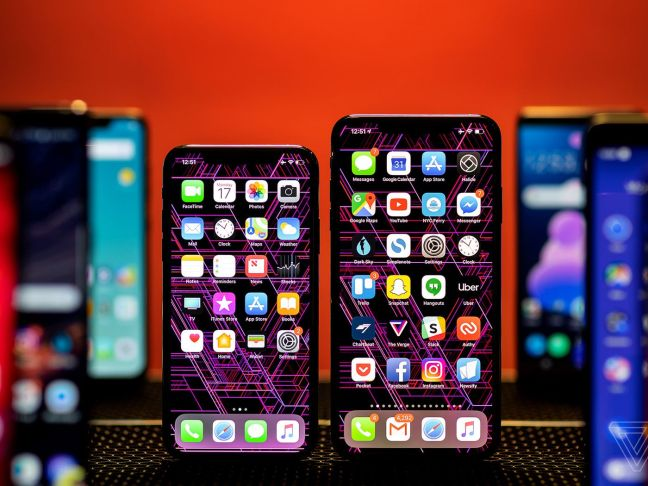 Apple and Samsung feel the sting of plateauing smartphones - The Verge