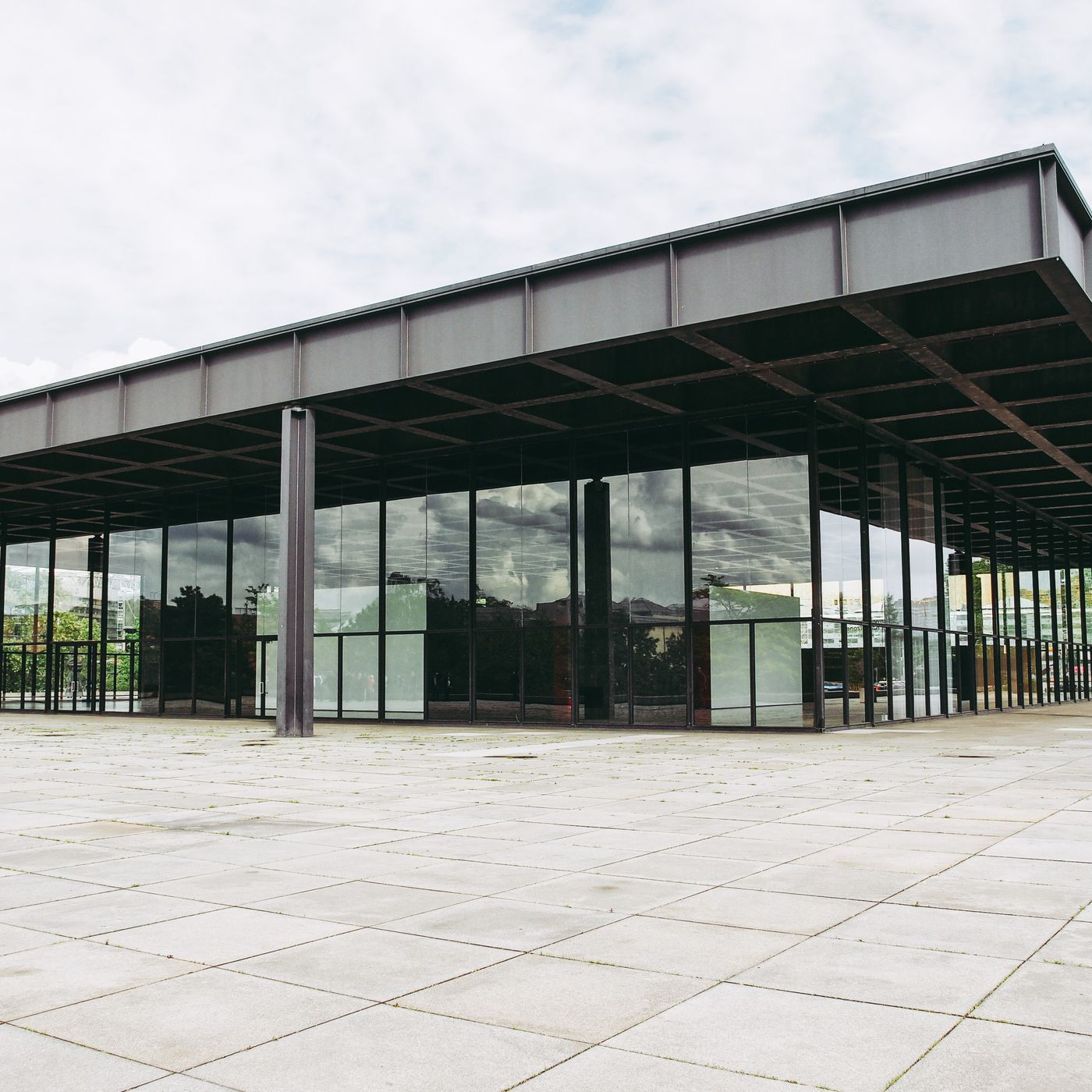 How Mies Van Der Rohe S Design For A Bacardi Hq In Cuba Became Berlin S Iconic Neue Nationalgalerie Curbed
