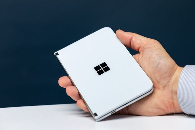Microsoft Surface Duo hands-on: a foldable Android Surface phone ...