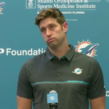 Jay Cutler has been back in the NFL for 1 day, and he's already a ...