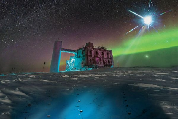 Astronomers trace the source of a high-energy particle ...