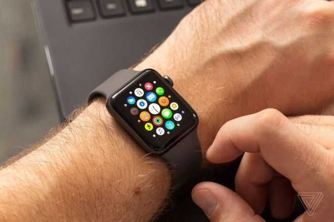 akrales_171113_2119_0045.0 Updating an Apple Watch Series 3 is a nightmare in 2021 | The Verge