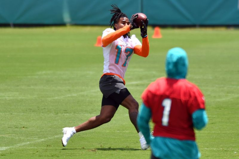 Miami Dolphins give first look at the Tua Tagovailoa to Jaylen Waddle connection in social media post - The Phinsider
